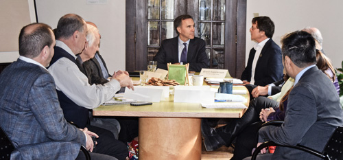 Finance Minister Bill Morneau meeting with ClimateWise members